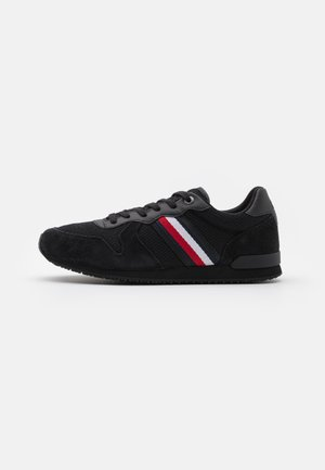 ICONIC MATERIAL MIX RUNNER - Sneakers basse - black