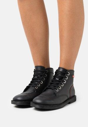 ORILEGEND - Lace-up ankle boots - noir/rouge
