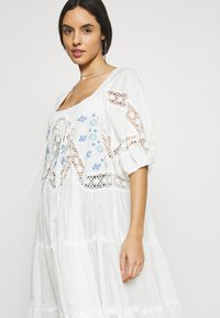 Free People - DELILAH EMBROIDERED MAXI - Bluser - ivory combo - 3