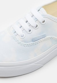 Vans - AUTHENTIC - Trainers - ballad blue/marshmallow - 5