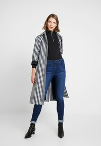 Tommy Jeans - HIGH RISE - Jeans Skinny Fit - cropsey - 1