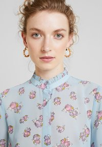 Levete Room - CLAUDIA - Button-down blouse - light blue - 3