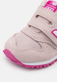 New Balance - IV373SPW - Sneakers laag - pink - 5