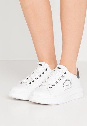 KAPRI MAISON LACE - Sneaker low - white/silver