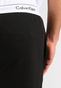 Calvin Klein Underwear - JOGGER - Pyjama bottoms - black - 6