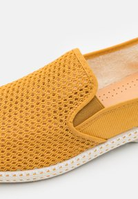 RIVIERAS - CLASSIC 20° UNISEX - Instappers - curry - 5