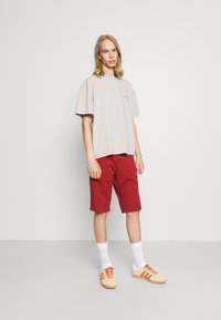 BDG Urban Outfitters - UNISEX - Basic T-shirt - ecru - 1