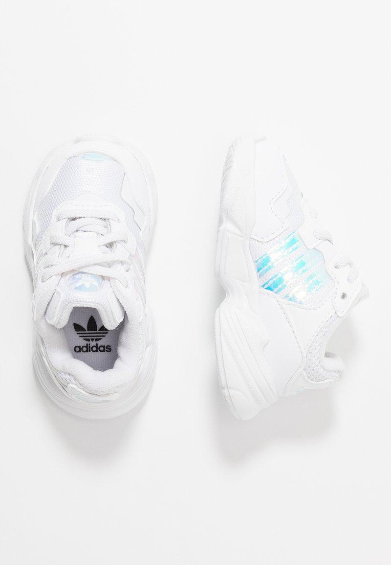 adidas Originals - YUNG-96 EL - Slip-ons - footwear white/core black