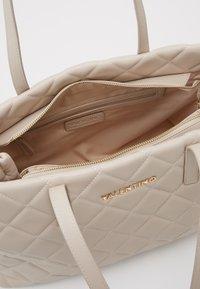 Valentino by Mario Valentino - OCARINA - Handbag - ecru - 2