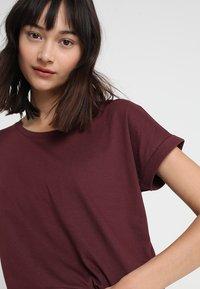 Vila - VIDREAMERS PURE  - Basic T-shirt - winetasting - 4