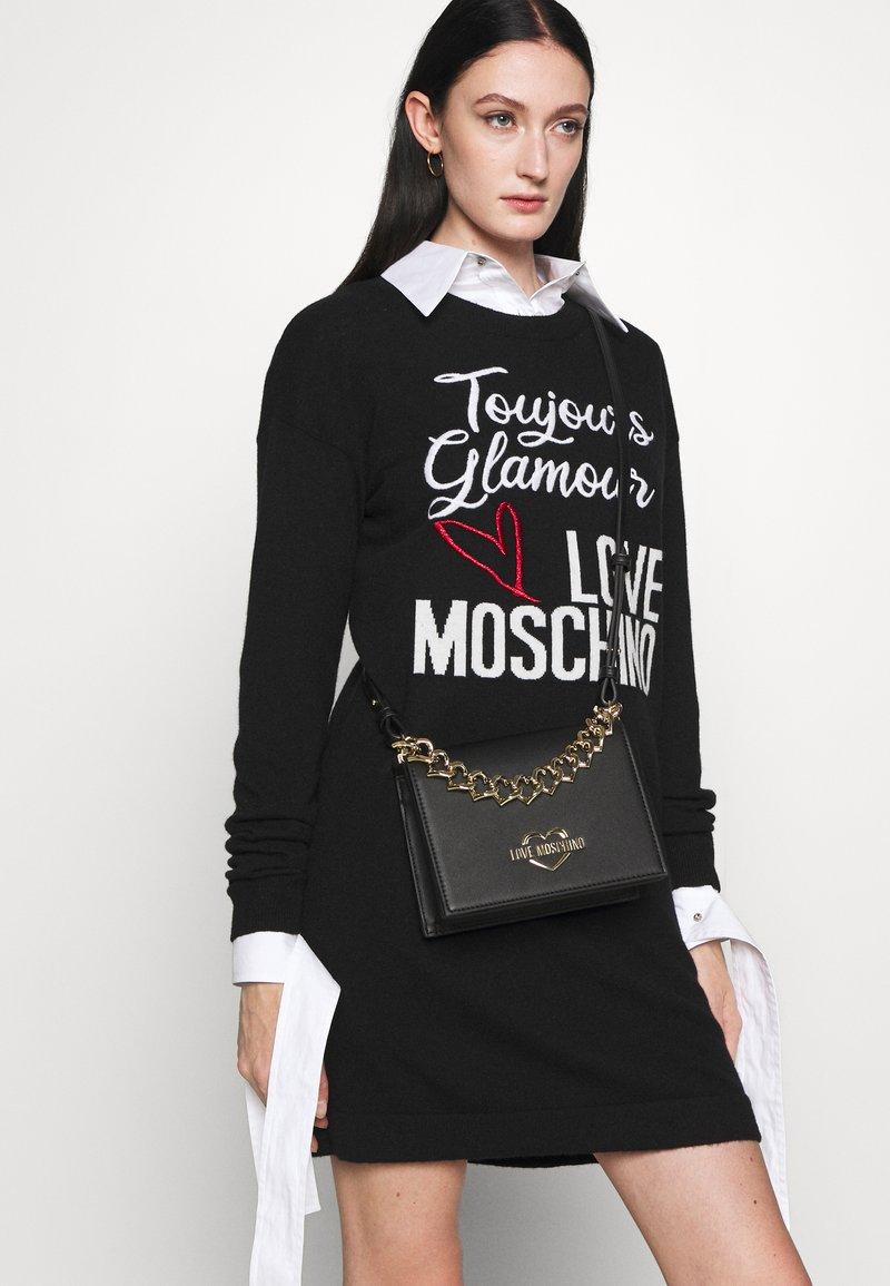 Love Moschino - CHAIN CROSSBODY - Across body bag - nero
