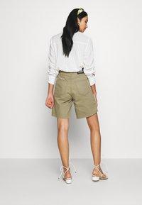 Dr.Denim - MEJA - Shorts di jeans - green agate - 2