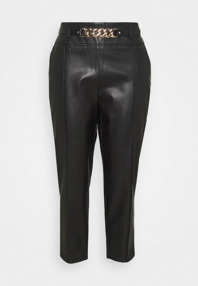 CIGARETTE CHAIN BELT PANT - Bukse - black