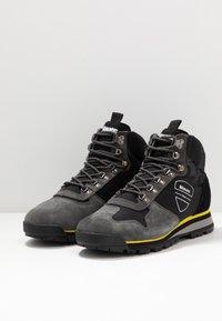 Blauer - AKRON - Lace-up ankle boots - black - 2