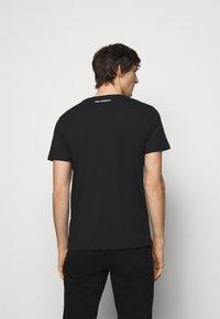 KARL LAGERFELD - CREWNECK - Print T-shirt - black - 2