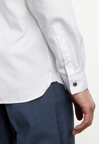 The Kooples - CLASSIQUE - Formal shirt - white - 4