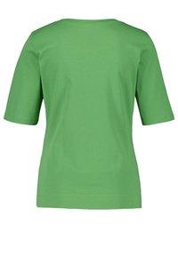 Gerry Weber - Basic T-shirt - palm - 3