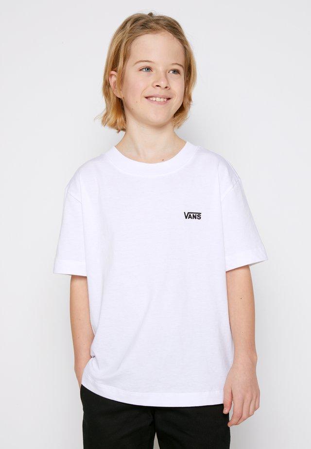 BY LEFT CHEST TEE BOYS - Camiseta básica - white