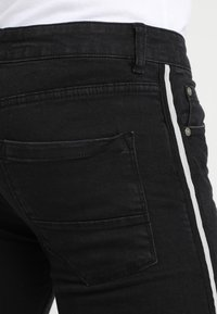 Brave Soul - RONNIE - Jeans Skinny Fit - charcoal - 5