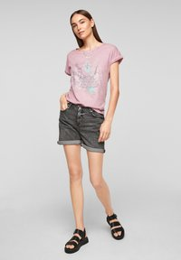 QS by s.Oliver - Print T-shirt - pink placed print - 1