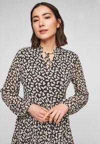 comma - MIT VOLANTS - Day dress - black dot love - 3