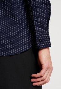 Selected Homme - SLHSLIMNEW MARK - Camisa elegante - mood indigo - 5