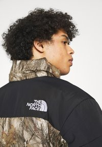 The North Face - HIMALAYAN INSULATED JACKET - Veste d'hiver - kelp tan forest floor - 4