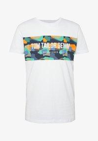 TOM TAILOR DENIM - Printtipaita - white - 3
