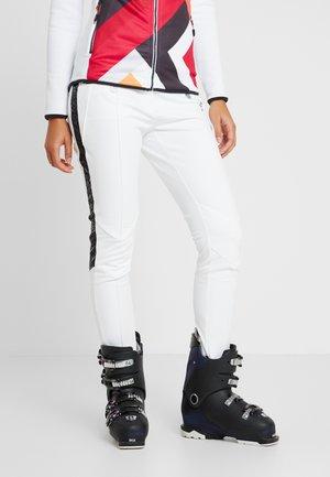 PROMINENCY PANT - Spodnie narciarskie - white