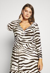 Lauren Ralph Lauren Woman - POLLY DAY DRESS - Jersey dress - cream/brown - 4