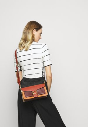 COLORBLOCK TABBY SHOULDER BAG - Handbag - rust/multi