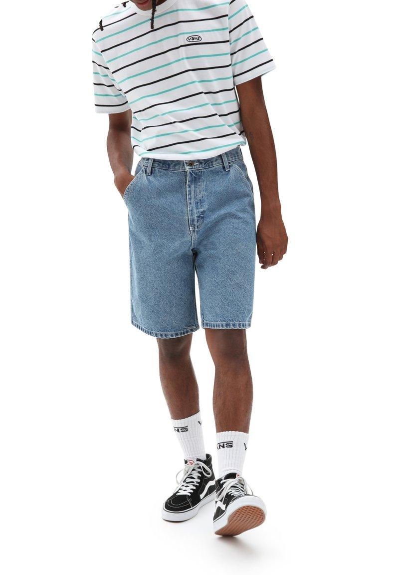 Vans - MN LOOSE DENIM SHORT - Denim shorts - stone wash