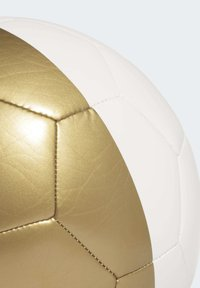 adidas Performance - REAL MADRID CAPITANO FOOTBALL - Voetbal - white/gold - 6