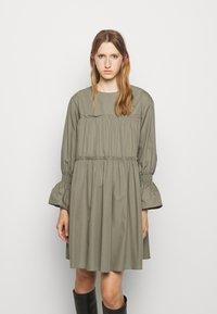 Mykke Hofmann - Day dress - dust green - 0