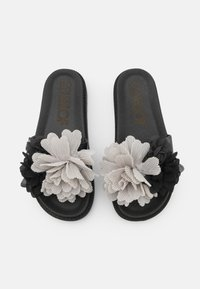Colors of California - SLIDE WIDE FIT SOLE FLOWERS - Mules - black - 5