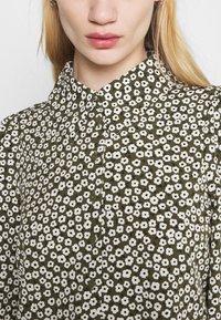 Monki - NALA BLOUSE - Button-down blouse - black dark minibloom dark - 3