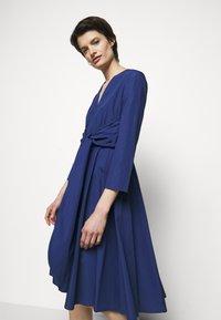 MAX&Co. - BANDOLO - Vapaa-ajan mekko - cornflower blue - 3