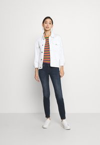 Tommy Jeans - SCARLETT  - Jeans Skinny Fit - jade dark blue - 1