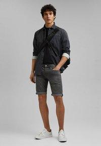 edc by Esprit - Short en jean - grey medium washed - 1
