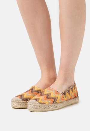 Espadryle - brown color blocking