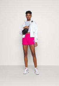 Nike Sportswear - Shorts - fireberry/white - 1