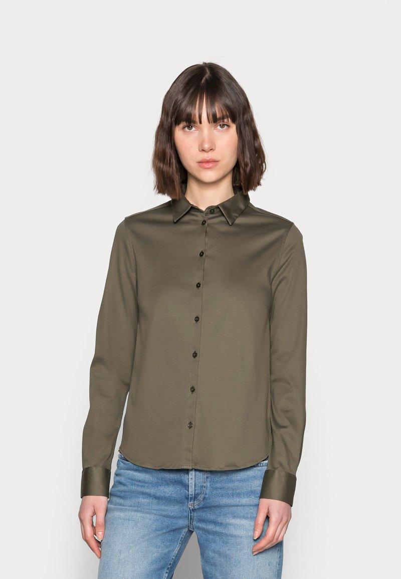 Mos Mosh - TINA - Button-down blouse - grape leaf