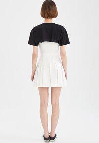 DeFacto - REGULAR FIT - Pleated skirt - ecru - 2