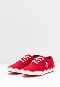 s.Oliver - LACE-UP - Tenisky - red - 4