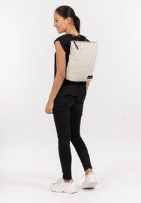 SURI FREY - KIMMY - Backpack - ecru - 0