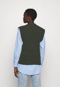 Lovechild - VESPA WAISTCOAT - Cardigan - combu green - 2