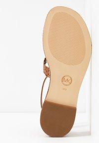 MICHAEL Michael Kors - PIPER FLAT - Sandals - acorn - 6