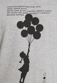 Nominal - BANKSY HOPE - T-shirt imprimé - grey marl - 4