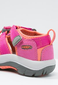 Keen - NEWPORT H2 - Walking sandals - very berry/fusion coral - 5