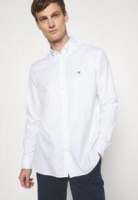 Hackett London - CONTINUITY OXFORD - Hemd - white - 3